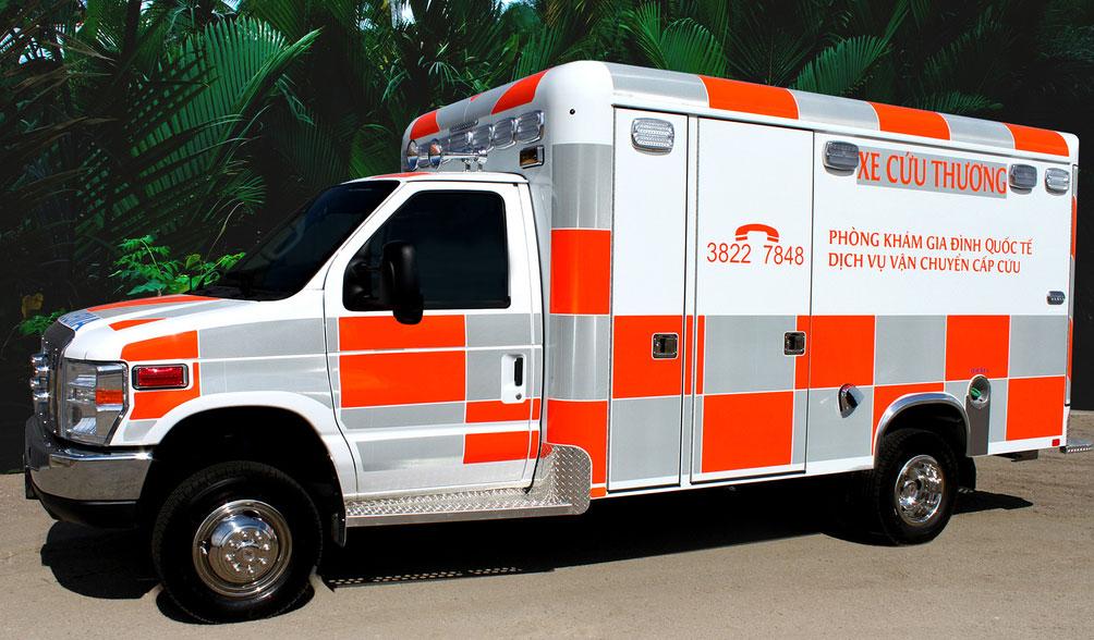 Ambulance Vietnam - Lorriette Vitry - Taxi ambulance VSL Ardennes